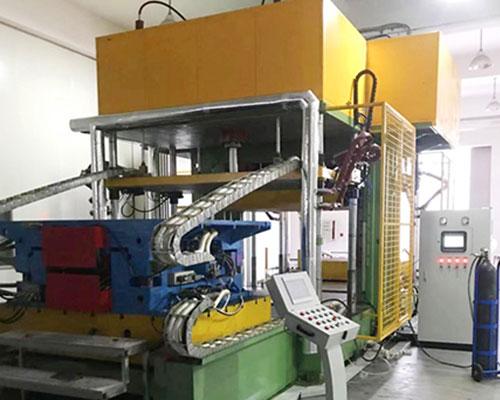 600吨三工位双向进出定制压机